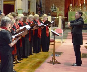 Piers Maxim conducting the Elgar Chorale